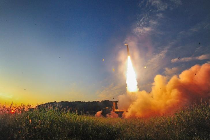 Tir-missile-coreen-4-septembre-2017-reponse-sixieme-essai-nucleaire-coreen_0_728_485