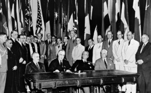Dès 1946 l'ONU demande l'élimination des armes atomiques