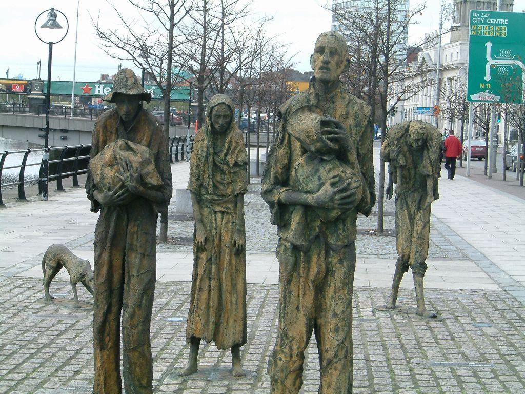 irlande-histoire-famine-statue