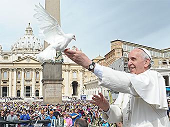 pape-francois-et-colombe-2