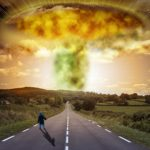 Hubert Védrine / Armes nucléaires et changement climatique
