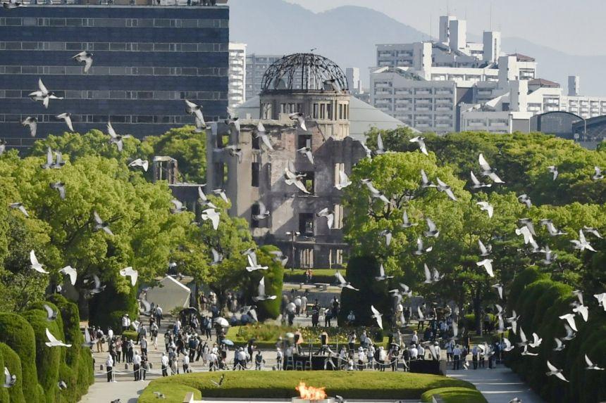 Cérémonie de commémoration pour les 76 ans du bombardement d'Hiroshima le 6 août 2021 au Hiroshima Memorial Park. (crédits photo : REUTERS)